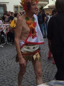 Like memories of attending the Stuttgart Wine Festival and this happening.